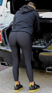 Khloe Kardashian paparazzi spandex