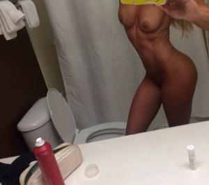 Summer Rae nude selfie