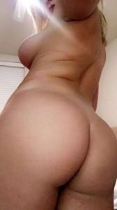 Zoie Burgher nude selfie