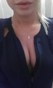 Eilidh Scott hot cleavage