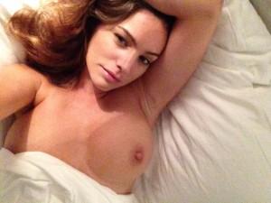 Kelly Brook tits