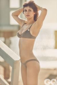 Alexandra Daddario xxx bikini