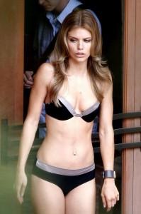 Hot AnnaLynne McCord in bikini pic