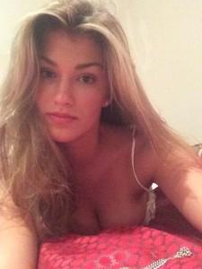 Amy Willerton selfie cleavage