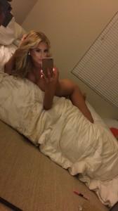 Emma Hernan nude leaked selfie