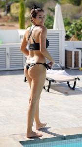 Chole Goodman hot ass in bikini