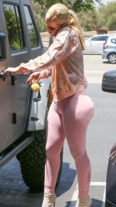 Iggy Azalea huge ass