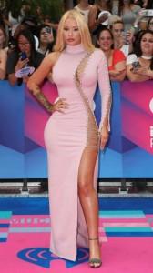 Iggy Azalea sexy tight dress
