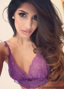 Jasmin Walia hot instagram pic