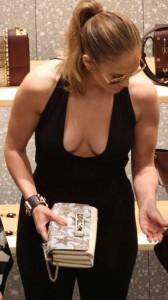Jennifer Lopez nice cleavage