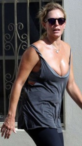 Annelise Braaensiek cleavage candids
