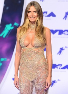 Heidi Klum hot dress cleavage