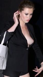 Ireland Baldwin full nipple slip