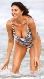 Lisa Snowdon swimsuit cleavage