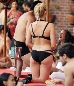 Margot Robbie black bikini paparazzi