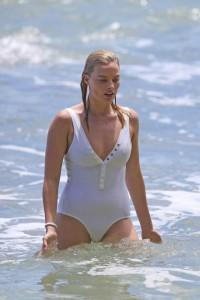 Margot Robbie hot swimsuit