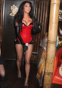 Nicole Scherzinger hot bra