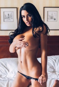 Abigail Ratchford hot and topless