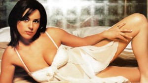 Jill Halfpenny hot cleavage