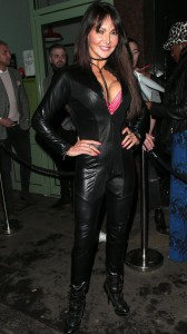 Lizzie Cundy small cleavage