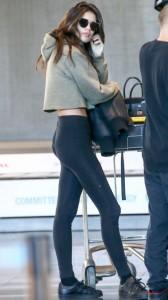Sara Sampaio sexy leggins