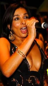 Shobna Gulati cute big cleavage