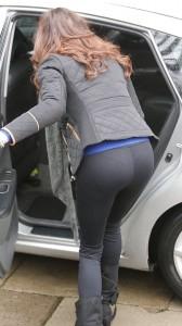 Shobna Gulati sexy leggins