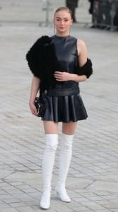 Sophie Turner sexy black dress