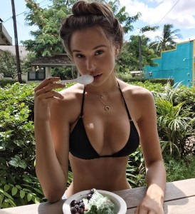 Alexis Ren cute and sexy