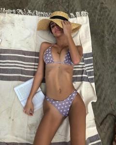 Emily Ratajkowski slim bikini