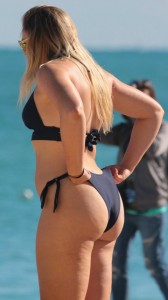 Iskra Lawrence hot booty bikini