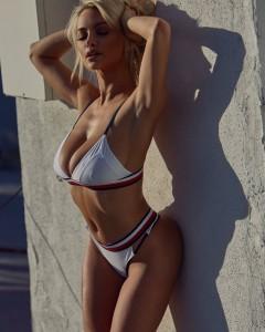 Lindsey Pelas sexy photoshoot
