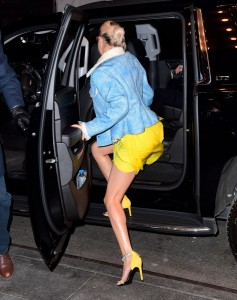 Selena Gomez yellow dress