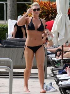 Brooke Hogan black bikini