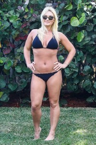 Brooke Hogan sexy bikini
