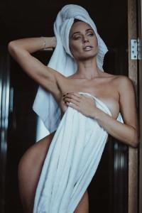 Clare Richards naked photoshoot 2