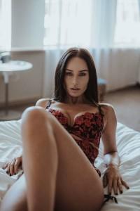 Clare Richards sexy bra 2