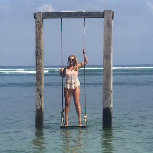 Hayley McQueen bikini sexy 2