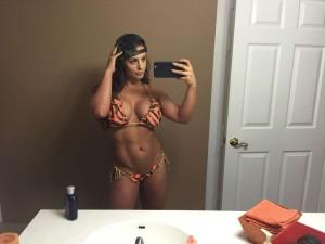 Kaitlyn bikini selfie