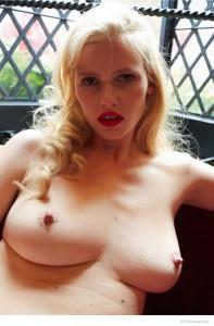 Lara Stone tits