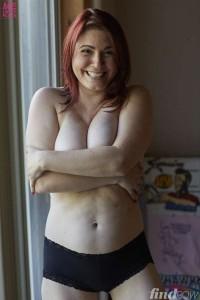 Lindsay Felton nipples