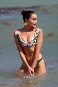 Olivia Culpo in sexy bikini