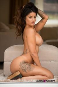 Preeti Young naked
