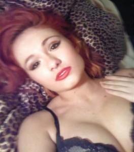 Scarlett Bordeaux lingerie 2