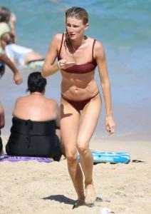 Amy Pejkovic hot bikini