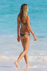 Elle Macpherson bikini