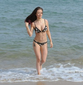 Jess Impiazzi sexy cleavage