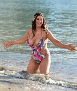Lisa Appleton big cleavage