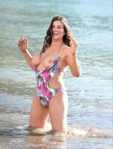 Lisa Appleton flashing tits