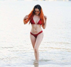 Sarah Goodhart sexy